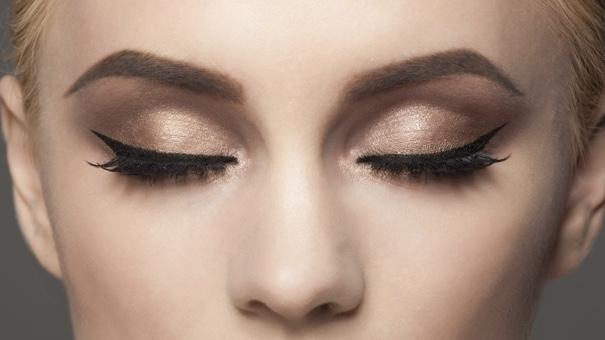 12 meilleurs eyeliners liquides de tous les temps
